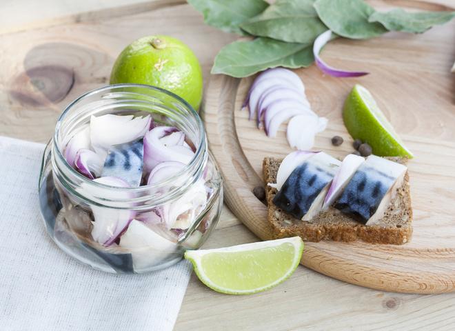 Как замариновать скумбрию: лучшие рецепты