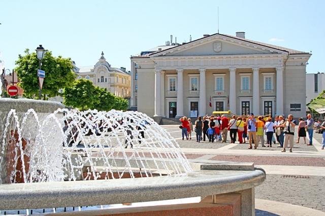 Цікаві місця Вільнюса: Ратушна площа