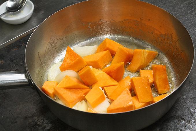 Кулінарний майстер-клас з шеф-кухарем: приготування гарбузового супу