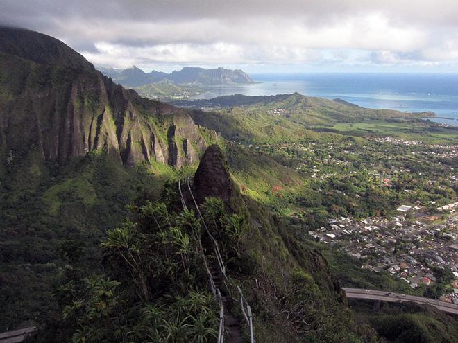Сходи до неба: екстремальна стежка на Гаваях