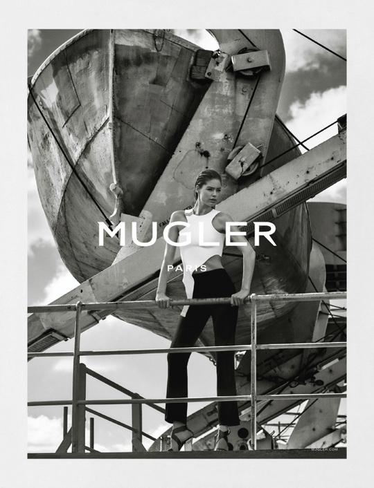 Даутцен Крус для Mugler