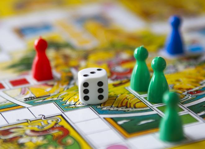 Популярные настольные игры для всей семьи