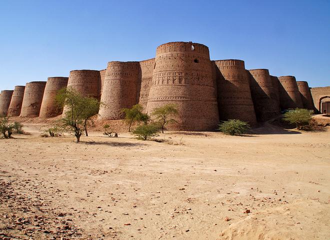 Крепость Деравар