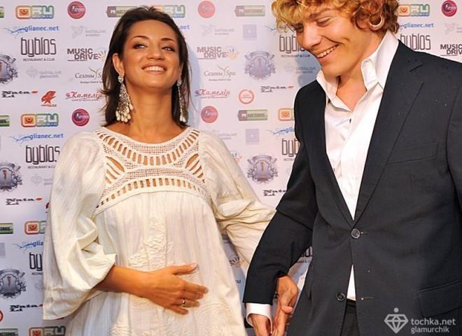 Денисова беременна