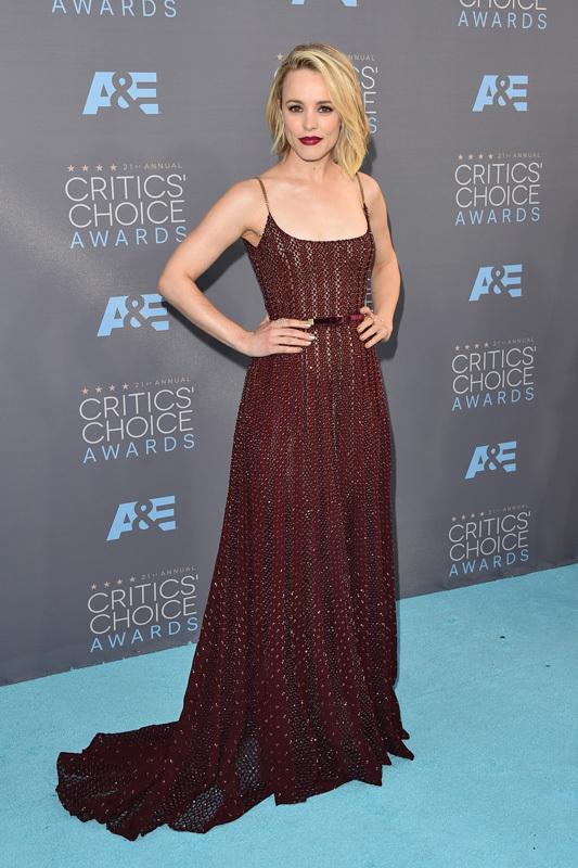 Critics Choice Awards: лучшие образы красной дорожки