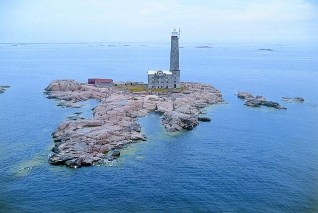 Готелі на маяках: промінчик світла в морі - Bengtskär Lighthouse Hotel - острів Бенгскер, Фінляндія