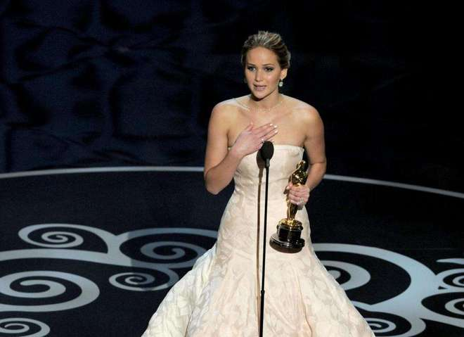 Найбільш вражаючі сукні переможниць премії Оскар