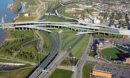 10 самых сложных транспортных развязок мира