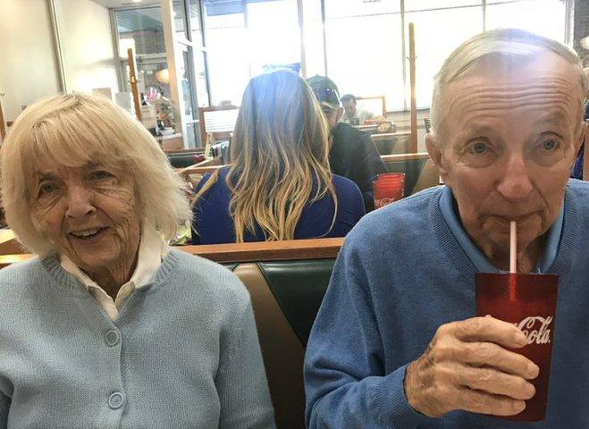 Пара з США прожила разом 65 років і разом померла від COVID-19
