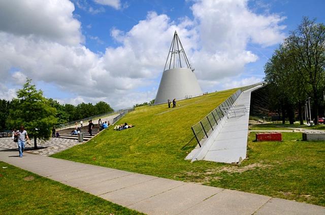 Найкрасивіші бібліотеки: Бібліотека Делфтського технічного університету, Південна Голландія, Нідерланди