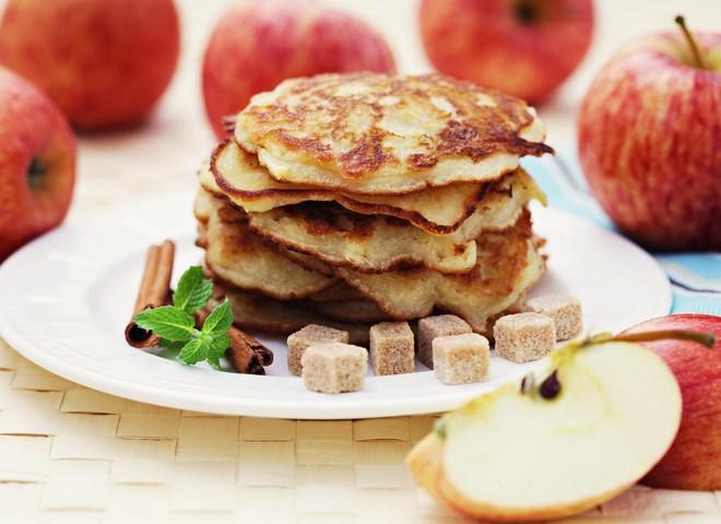 Легкие десерты с ягодами и фруктами понравятся и взрослым и детям