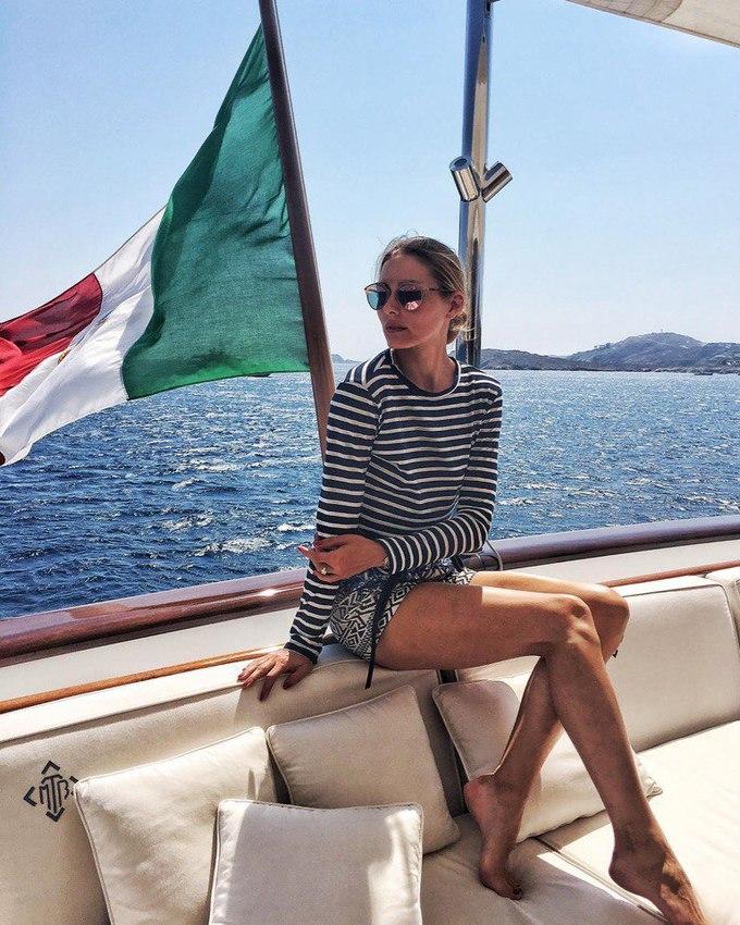 Как носить полоску: 5 луков Оливии Палермо