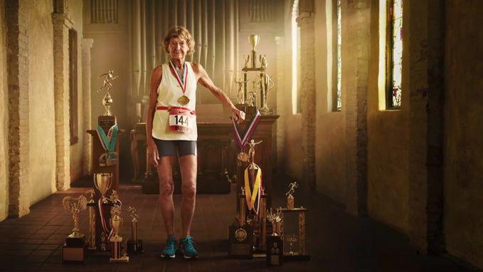 """86-летняя """"Железная монашка"""" снялась в рекламе Nike"""