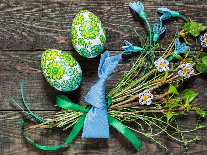 Декупаж пасхальных деревянных яиц