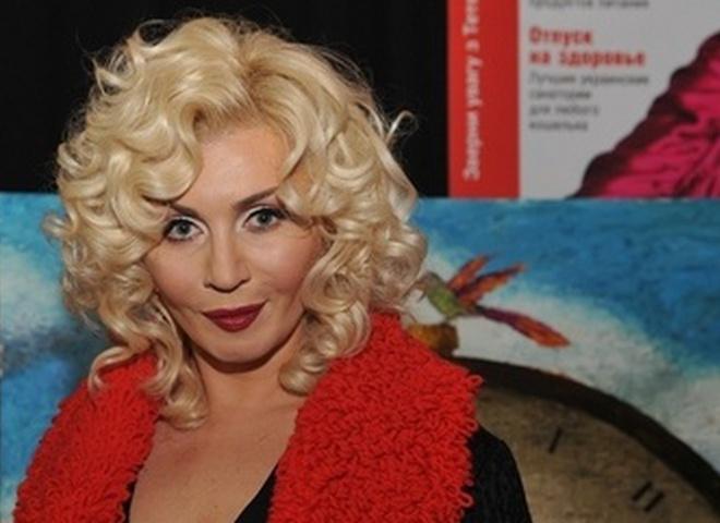 Максим Паперник выполняет функции режиссера-постановщика и художественного руководителя шоу