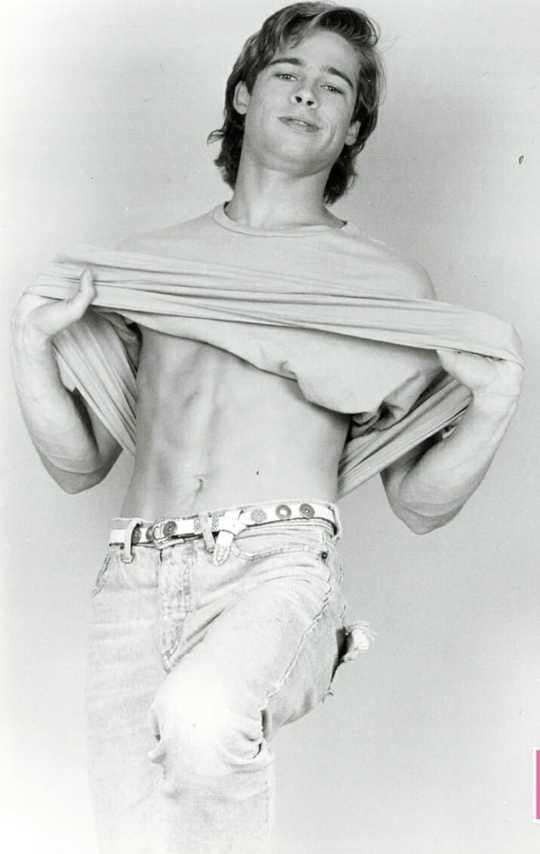 Вот это красавчик: в Сети появилась неизвестная фотосессия юного Брэда Питта