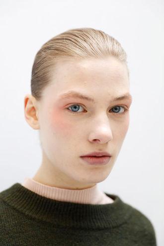 макияж на выпускной: теплые оттенки