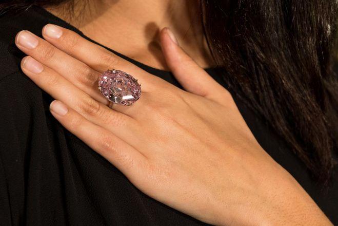 """Гранований діамант """"Рожева зірка"""""""