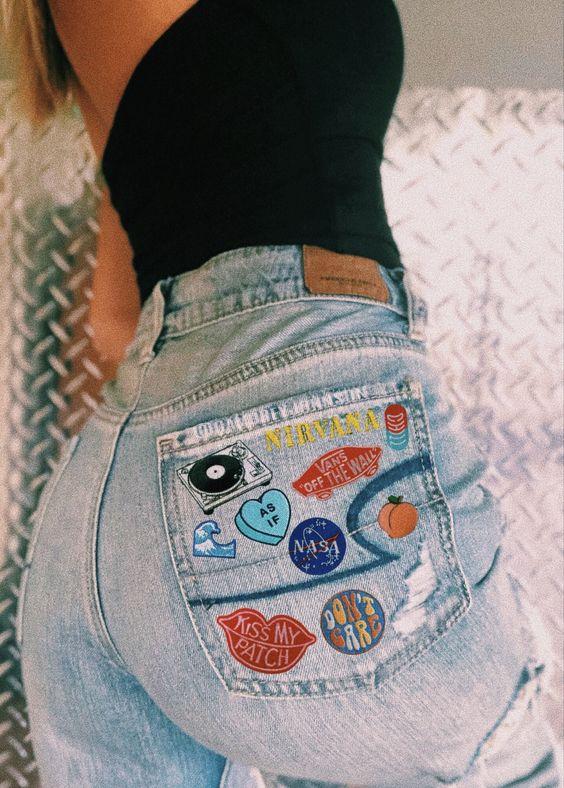 Декорації на джинсах — антитренд 2021