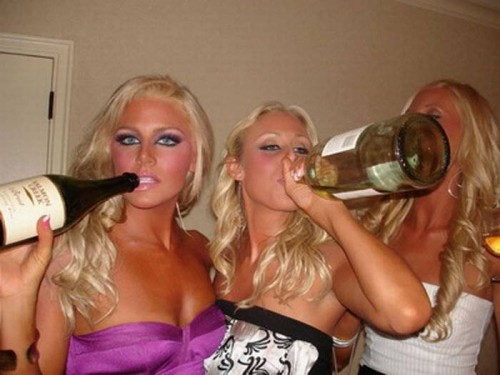 Как отрываются девочки на пьянках