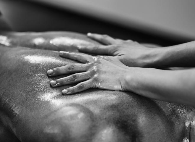Эротический массаж для мужчины: покори его силой и нежностью