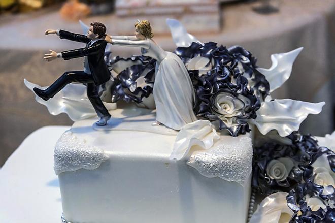 Высокосный год, свадебный торт