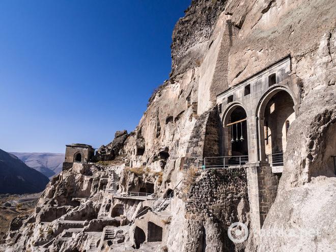 Жизнь в пещере: самые необычные дома