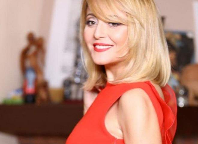Анджелика Варум