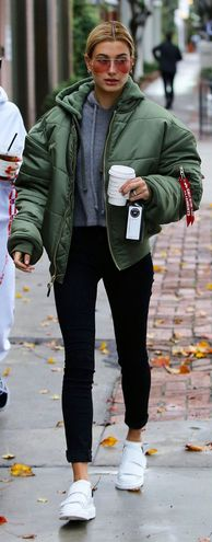 Как одеваться зимой стильно: яркие street-style примеры