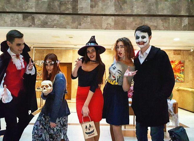 Шоу-бизнесовая нечисть или как звезды отпраздновали Хэллоуин