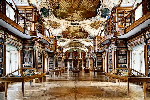 Cамые красивые библиотеки: Библиотека монастыря Святого Галла в Швейцарии