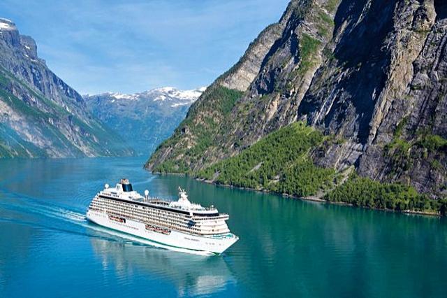 5 самых романтических лайнеров: лайнер Crystal Serenity