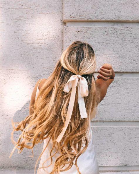Зачіски на останній дзвоник