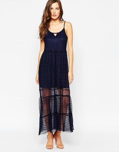 Модні сукні 2016: шовк і білизняний стиль - купити