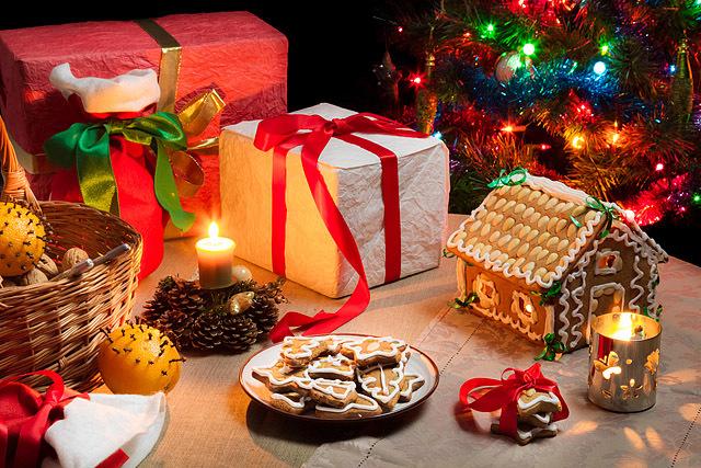 Привітання з Різдвом: вірші та смс