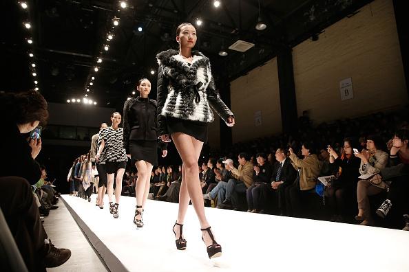 Черговий Тиждень моди в онлайн-форматі: як китайські дизайнери представлятимуть свої колекції