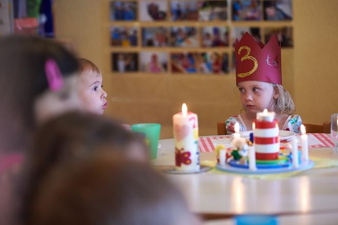 Народные отличия: традиции празднования дня рождения в разных странах