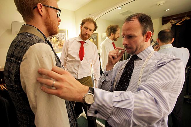 Севіл-Роу: екскурсія в саме серце британської моди: ательє Henry Poole & Co