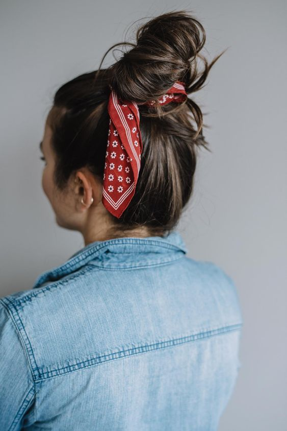 Как красиво завязать платок на голове: модные идеи для повседневности