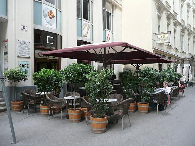 Лучшие кафе Вены: Hawelka