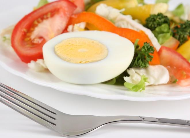 салат яйца
