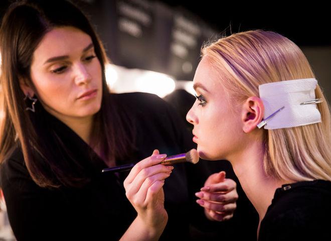 Як приховати розширені пори за допомогою макіяжу