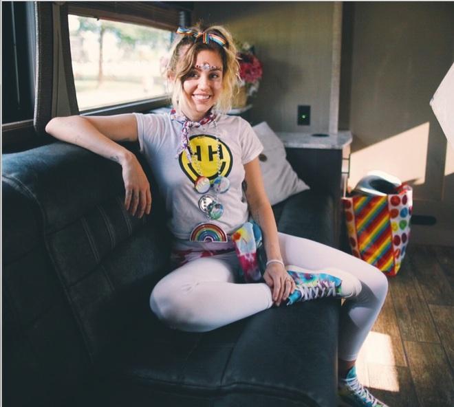 Converse і Майлі Сайрус випустили колекцію кедів