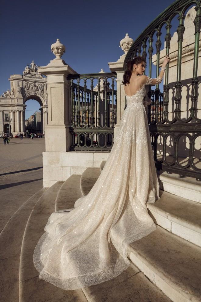 Вечірні та весільні сукні