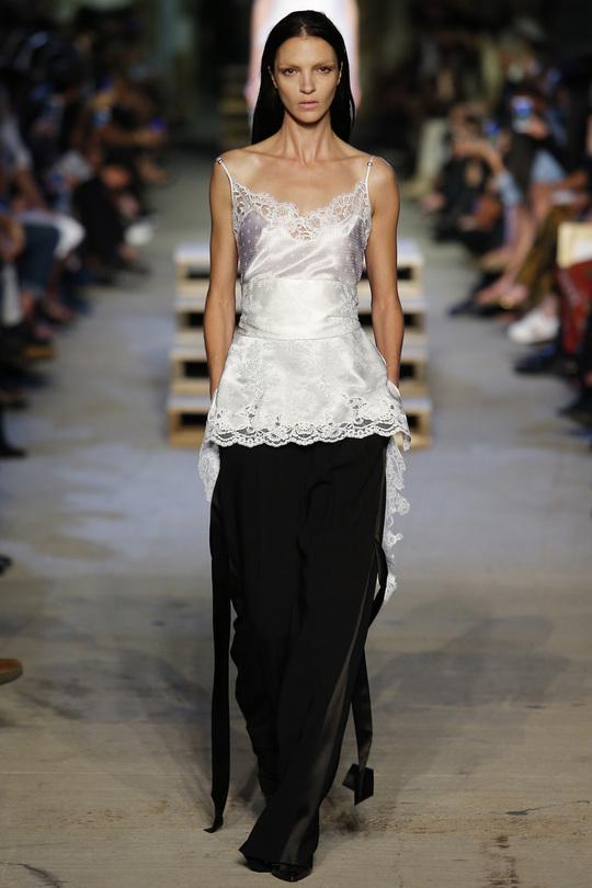 Піжамні сукні - будуарний стиль