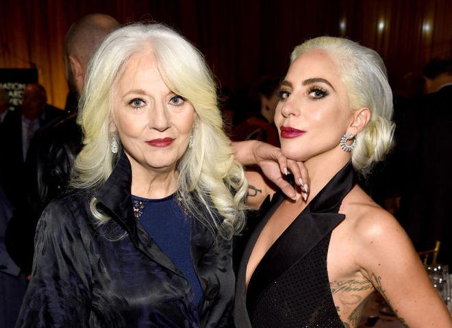 Леди Гага рассказала об отношениях с мамой