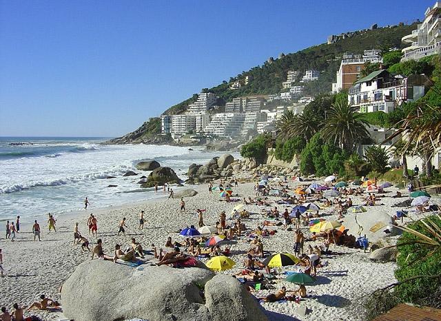 Топ-5 лучших городских пляжей в мире: Клифтон-бич , Кейптаун, ЮАР