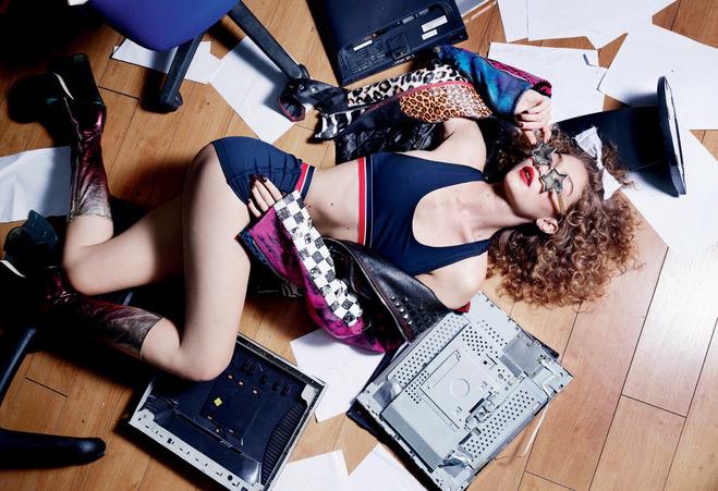 Джіджі Хадід в гарячій фотосесії для глянцевого журналу