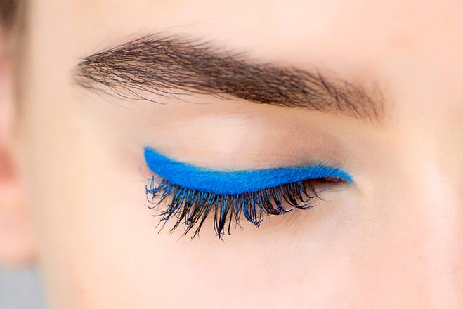 Трендовий колір сезону - синій