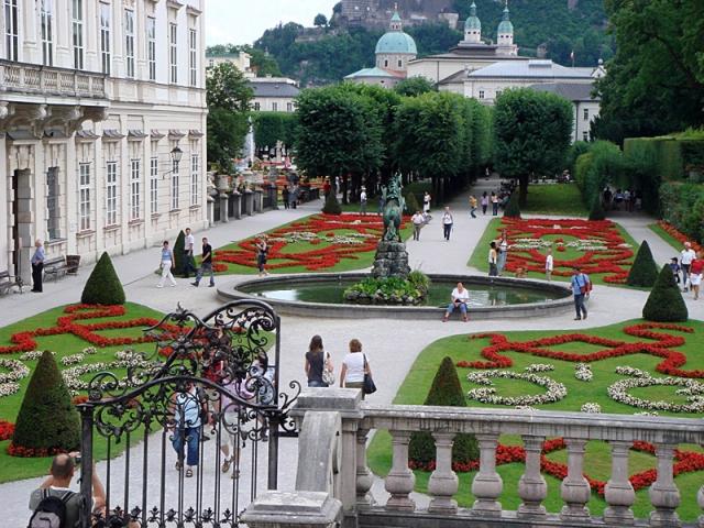 Самые красивые замки Европы. Замок Мирабель, Австрия